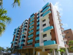 Apartamento En Ventaen Higuerote, Puerto Encantado, Venezuela, VE RAH: 16-2654