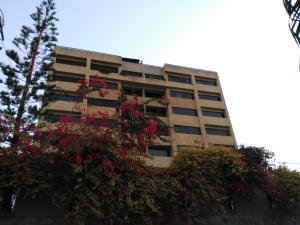 Apartamento En Ventaen Parroquia Caraballeda, Los Corales, Venezuela, VE RAH: 16-2775