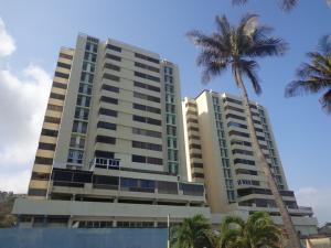 Apartamento En Ventaen Catia La Mar, Playa Grande, Venezuela, VE RAH: 16-2995