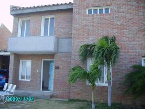 Townhouse En Ventaen Punto Fijo, Las Virtudes, Venezuela, VE RAH: 16-3082