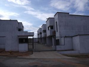 Townhouse En Ventaen Puerto Ordaz, Caronoco, Venezuela, VE RAH: 16-3244