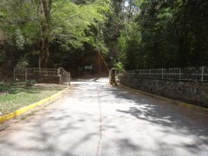 Terreno En Ventaen Caracas, Caicaguana, Venezuela, VE RAH: 16-3288