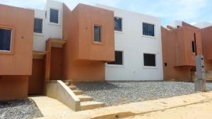 Casa En Ventaen Cabudare, Parroquia José Gregorio, Venezuela, VE RAH: 16-3826