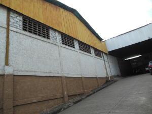 Galpon - Deposito En Ventaen Charallave, Centro De Charallave, Venezuela, VE RAH: 16-3914