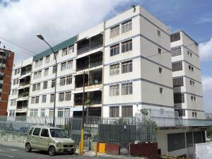 Apartamento En Ventaen Caracas, Los Chaguaramos, Venezuela, VE RAH: 16-4260