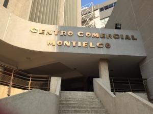 Oficina En Ventaen Maracaibo, Calle 72, Venezuela, VE RAH: 16-4430