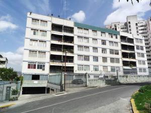 Apartamento En Ventaen Caracas, Los Chaguaramos, Venezuela, VE RAH: 16-4423