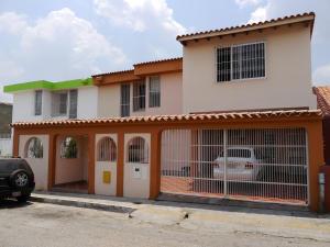 Casa En Ventaen Barquisimeto, Club Hipico Las Trinitarias, Venezuela, VE RAH: 16-4581