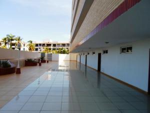 Apartamento En Ventaen Margarita, Costa Azul, Venezuela, VE RAH: 16-4712