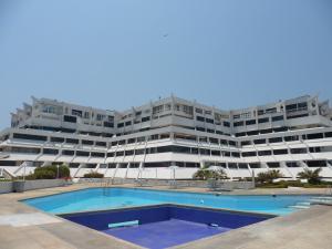 Apartamento En Ventaen Tucacas, Tucacas, Venezuela, VE RAH: 16-5238