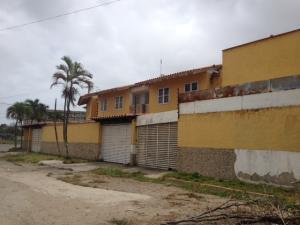 Apartamento En Ventaen Higuerote, Ciudad Balneario Higuerote, Venezuela, VE RAH: 16-6997