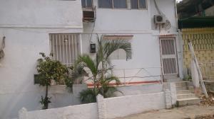 Casa En Ventaen Catia La Mar, Las Tunitas, Venezuela, VE RAH: 16-6105