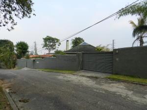 Terreno En Ventaen Caracas, Alto Hatillo, Venezuela, VE RAH: 16-6572