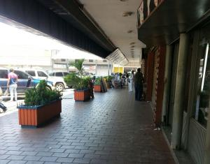 Local Comercial En Ventaen Ciudad Ojeda, Centro, Venezuela, VE RAH: 16-6711