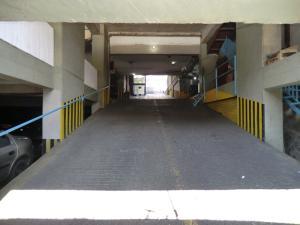 Local Comercial En Ventaen Caracas, Parroquia La Candelaria, Venezuela, VE RAH: 16-7263