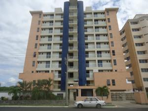 Apartamento En Ventaen Higuerote, Puerto Encantado, Venezuela, VE RAH: 16-7343