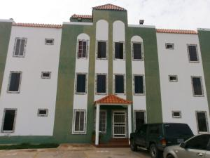 Apartamento En Ventaen Ciudad Ojeda, Calle Piar, Venezuela, VE RAH: 16-7508