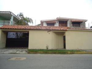 Casa En Ventaen Barquisimeto, Club Hipico Las Trinitarias, Venezuela, VE RAH: 16-7684