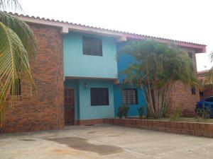Townhouse En Ventaen Chichiriviche, Flamingo, Venezuela, VE RAH: 16-8444