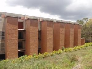 Townhouse En Ventaen Caracas, Villa Nueva Hatillo, Venezuela, VE RAH: 16-8422