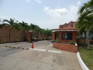 Apartamento En Ventaen Puerto La Cruz, Cerro Amarillo, Venezuela, VE RAH: 16-10111