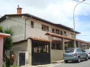 Casa En Ventaen San Antonio De Los Altos, Las Polonias Viejas, Venezuela, VE RAH: 16-13876
