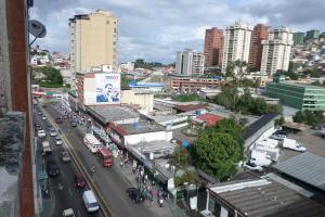 Apartamento En Ventaen Los Teques, Municipio Guaicaipuro, Venezuela, VE RAH: 16-11718