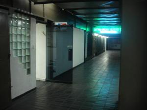 Local Comercial En Alquileren Caracas, El Marques, Venezuela, VE RAH: 16-11851
