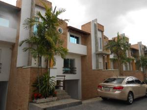 Townhouse En Ventaen Maracay, Barrio Sucre, Venezuela, VE RAH: 16-11867