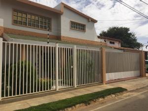 Casa En Ventaen Punto Fijo, Judibana, Venezuela, VE RAH: 16-12951