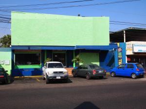Local Comercial En Ventaen Municipio San Francisco, Sierra Maestra, Venezuela, VE RAH: 15-13212