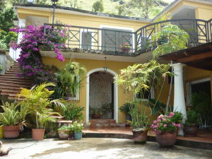 Casa En Ventaen Municipio Guaicaipuro, Laguneta De Montaña, Venezuela, VE RAH: 16-13951