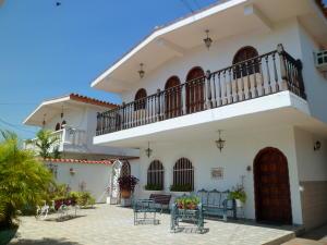 Casa En Ventaen Lecheria, El Morro I, Venezuela, VE RAH: 16-14148