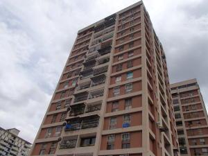 Apartamento En Ventaen Caracas, San Martin, Venezuela, VE RAH: 16-14166