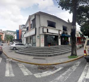Local Comercial En Ventaen Caracas, Los Chaguaramos, Venezuela, VE RAH: 16-14576