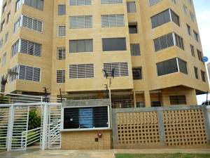 Apartamento En Ventaen Catia La Mar, Playa Grande, Venezuela, VE RAH: 16-14865
