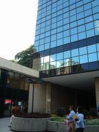 Local Comercial En Ventaen Caracas, Chacaito, Venezuela, VE RAH: 16-15422
