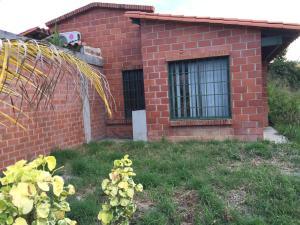 Casa En Ventaen Guatire, Contry Villas, Venezuela, VE RAH: 16-15792