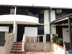 Townhouse En Ventaen Guarenas, Nueva Casarapa, Venezuela, VE RAH: 16-15927