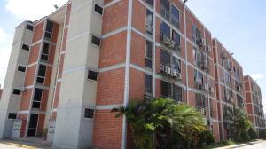 Apartamento En Ventaen Guarenas, Las Islas, Venezuela, VE RAH: 16-16095