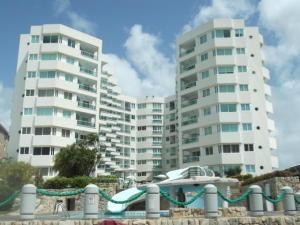 Apartamento En Ventaen Tucacas, Tucacas, Venezuela, VE RAH: 16-16151