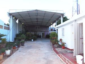 Galpon - Deposito En Ventaen Municipio San Francisco, Sierra Maestra, Venezuela, VE RAH: 16-16257