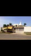 Apartamento En Ventaen Higuerote, Puerto Encantado, Venezuela, VE RAH: 16-16390