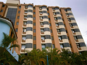 Apartamento En Ventaen Higuerote, Puerto Encantado, Venezuela, VE RAH: 16-16947
