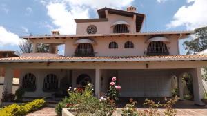 Casa En Ventaen San Antonio De Los Altos, Club De Campo, Venezuela, VE RAH: 16-17207