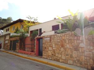 Casa En Ventaen Caracas, Colinas De Santa Monica, Venezuela, VE RAH: 16-17876