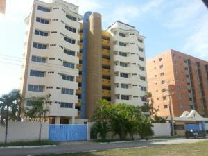 Apartamento En Ventaen Higuerote, Puerto Encantado, Venezuela, VE RAH: 16-18235