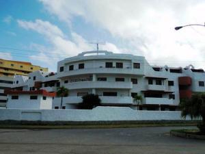 Apartamento En Ventaen Higuerote, Puerto Encantado, Venezuela, VE RAH: 16-18422