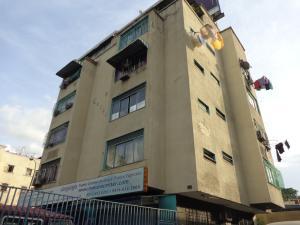 Apartamento En Ventaen Caracas, Los Chaguaramos, Venezuela, VE RAH: 16-18842