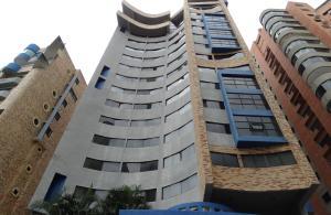 Apartamento En Ventaen Valencia, El Bosque, Venezuela, VE RAH: 16-18853
